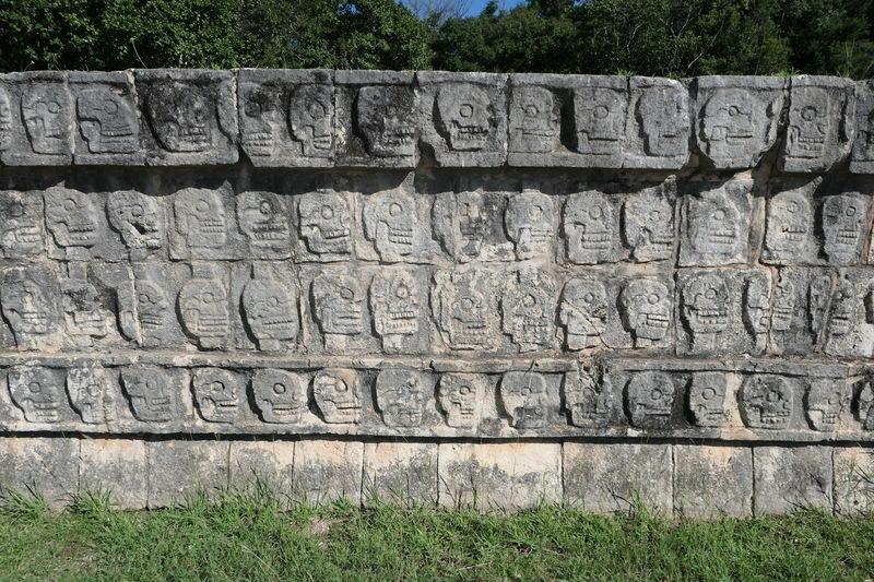 A wall of skulls at Chichén-Itzá