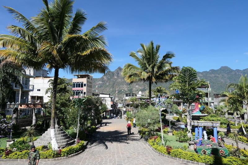 A small plaza in San Pedro